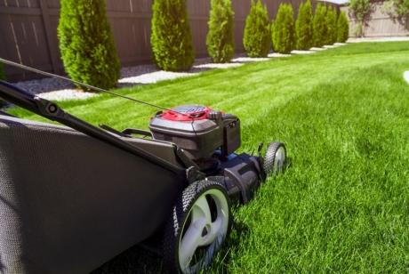 Как да се грижим за косачките за трева?
